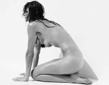 Helena Christensen üstsüz yakalandı - 19